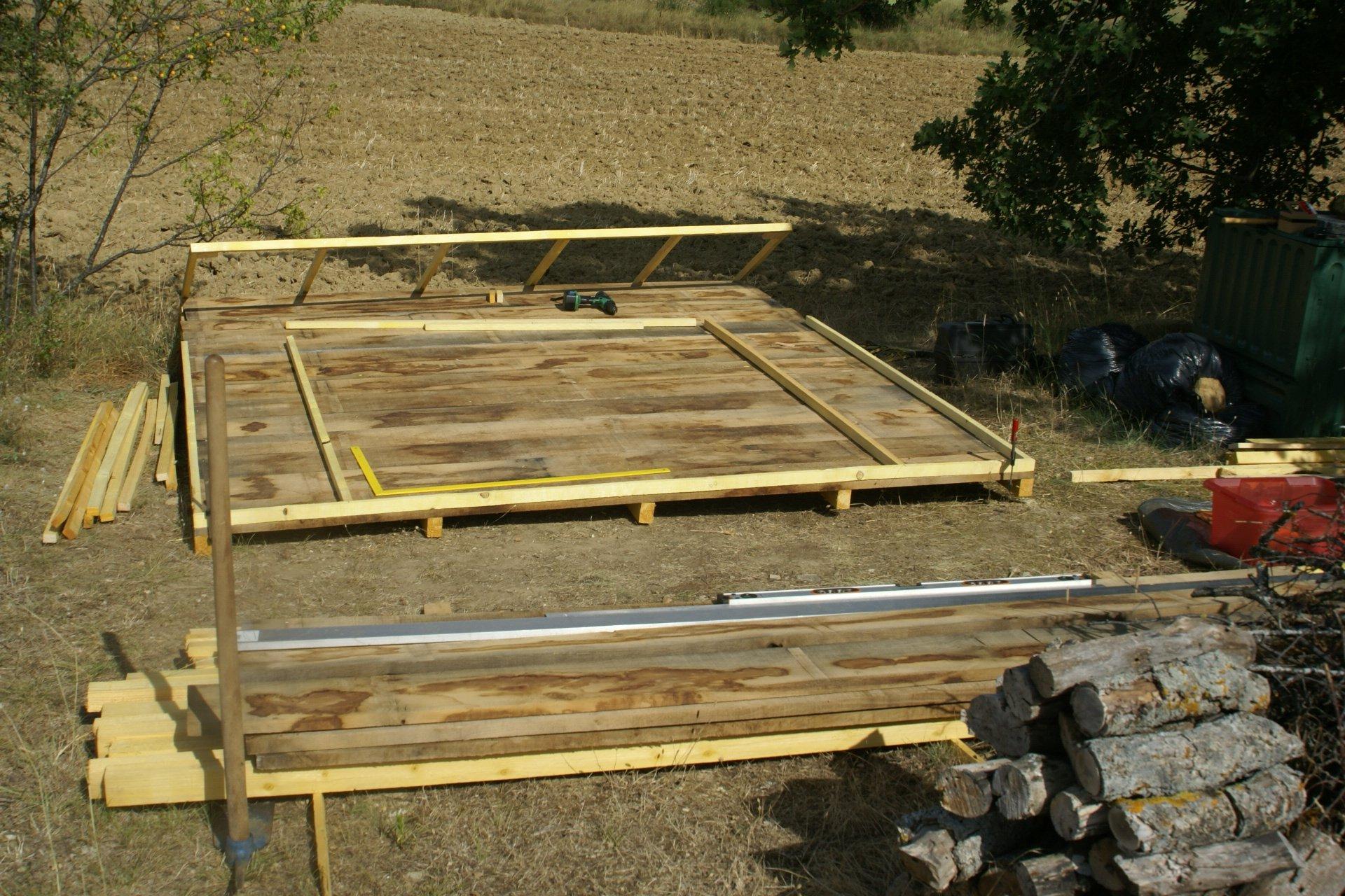 5 etape de la construction en photos la maison en bois de cricri et cbb. Black Bedroom Furniture Sets. Home Design Ideas